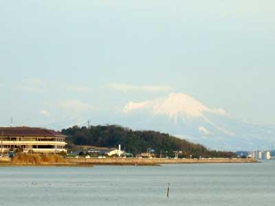 松江から望む大山