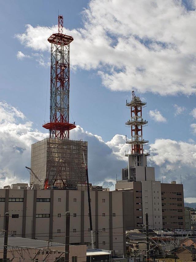 NTT西日本島根支店ビルの鉄塔(電波塔)