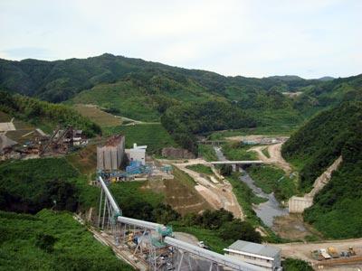 尾原ダム工事現場