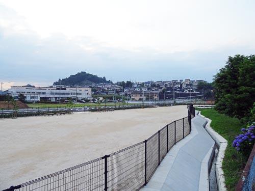 大庭ショッピングタウン(宇竜谷)
