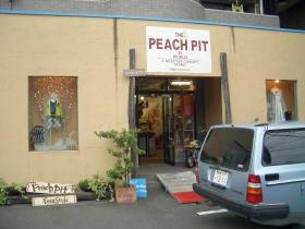 THE PEACH PIT(ザ・ピーチピット)