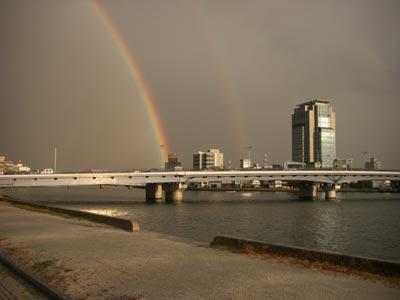 宍道湖大橋に架かる虹