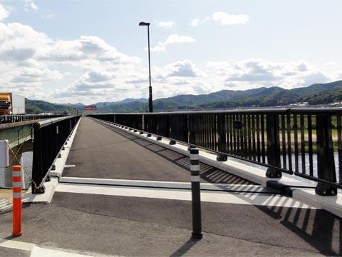 里熊大橋側道橋 開通