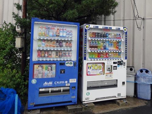 Tポイント自販機@春日自動車さん前