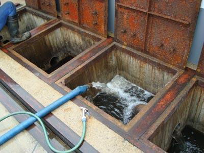 油水分離槽の清掃