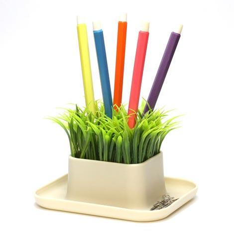 鉢植えのグリーンにペンを刺す Dhink(ディンク) GRASS PEN STAND(グラス ペンスタンド)