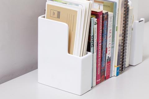 deaco(イデアコ)「bookend + letter holder(ブックエンド+レターホルダー)」
