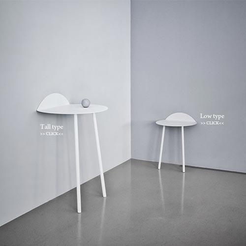 壁に立てかけて使う脚が2本のテーブル menu(メニュー) Yeh Wall Table(ヤー ウォールテーブル)