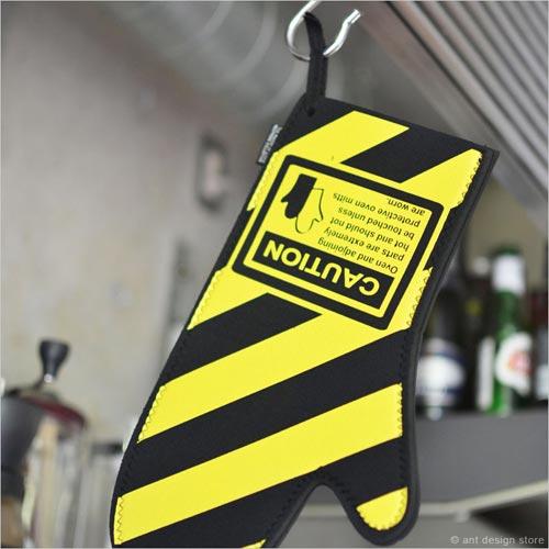 nuop design(ノープデザイン)Caution Oven Mitt(コーションオーブンミット)