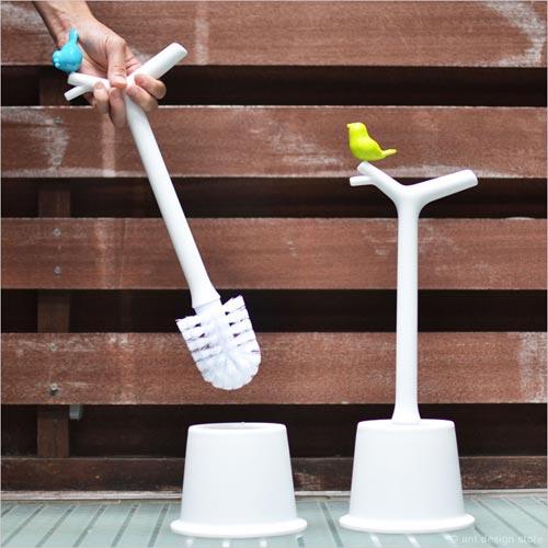 持ち手にちょこんと小鳥がとまったトイレブラシhoobbe(ホービー)PEEKING BIRDS Toilet Brush(ピーキングバード トイレブラシ)