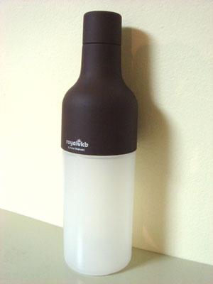 スクイーズボトル