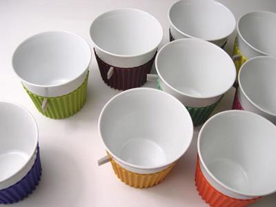 シリコンの服を着たカップ「Tag Cup(タグカップ)」