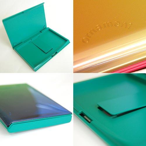 フタの開き方がユニークかつグラデーションが美しい名刺入れYOSHIDA TECHNOWORKSOrnament Card Case(オーナメントカードケース)