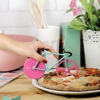 自転車をモチーフにしたピザカッター doiy Fixie Pizza Cutter