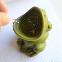 クリップを食べるカエル Flog ClipHolder
