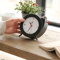 手巻き式レトロモダンな小鳥のさえずり時計 KIKKERLAND Tweet Clock